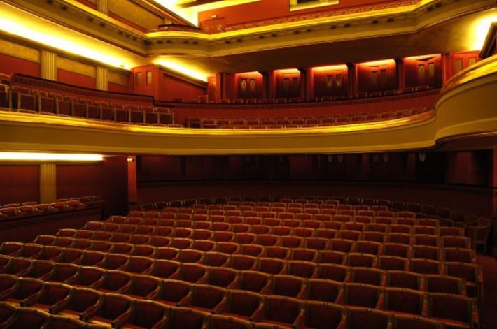 ob_68efc5_theatregalerie-83-710x0