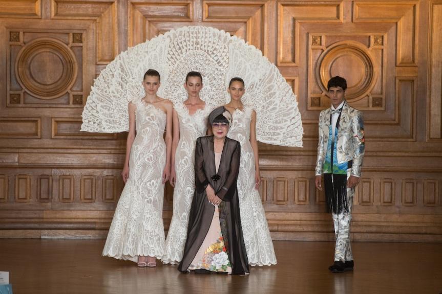 Paris Fashion Week – Yumi Katsura dévoile sa collection automne hiver2017-2018