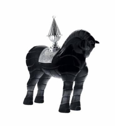 cheval noir porteur de feu