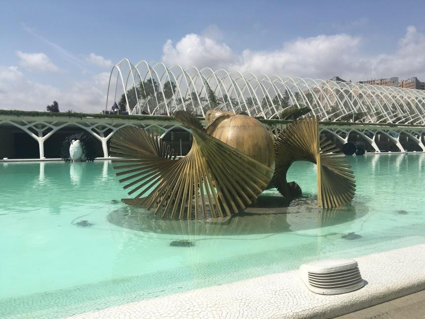 Manolo-valdes -exposition- ciutat-de-les- arts-i-les-ciències-valencia-